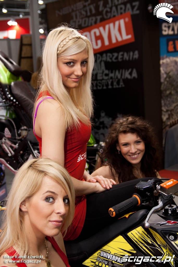 hostessy scigacz quad univerpal Targi Motocyklowe Warszawa 2011 - III OWMiS