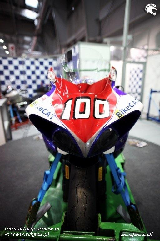 kontener na motocykl Targi Motocyklowe w Warszawie - III Ogolnopolska Wystawa Motocykli i Skuterow 2011