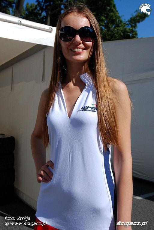 Hostessa Verva Street Racing