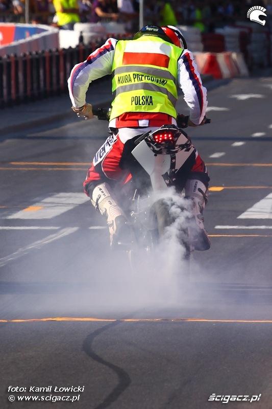 Kuba Przygonski palenie Gumy Verva Street Racing Warszawa