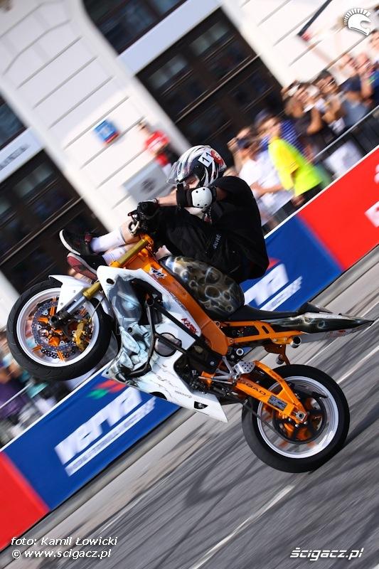 Mok Wheeliholics Verva Street Racing