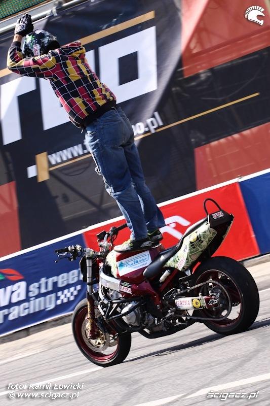 Stunt pokaz Verva Street Racing