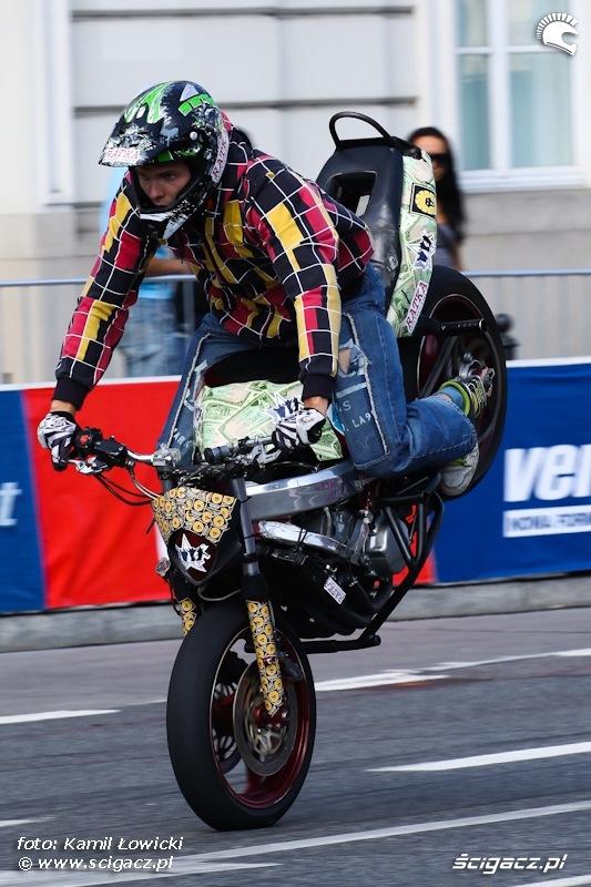 Verva Street Racing stoppie