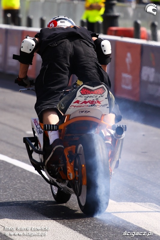 Wheeliholics Verva Street Racing