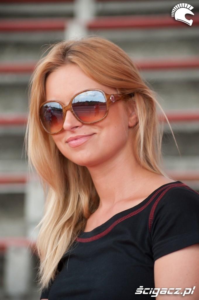 Zdjęcia Blondynka W Okularach Honda Gymkhana Radom 2012