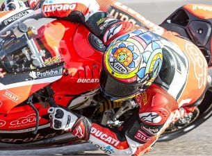 Aruba Ducati Corse World Superbike Team zblizenie m