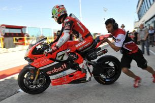 Pit Aruba Ducati Corse World Superbike Team  m