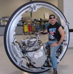 V8 monocykl