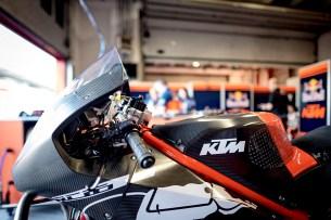 KTM RC16 Box Mugello 2016 1
