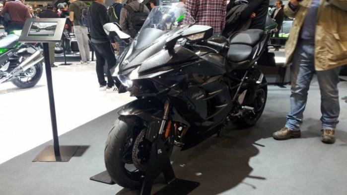 15 Kawasaki H2SX 2018 black