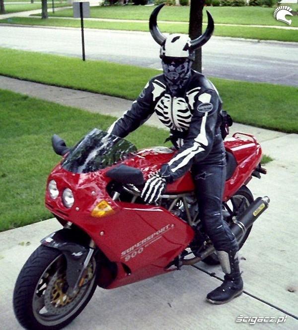 Zdj cia diabel na motocyklu boj sie boga czyli motocyklista oczami ludu