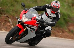 zlozenie Honda CBR600F 2011