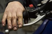 sprawdzenie hamulca wymiana kola z przodu warsztat scigacz mg 0176