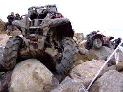 quad grizzly kamienie przeprawa