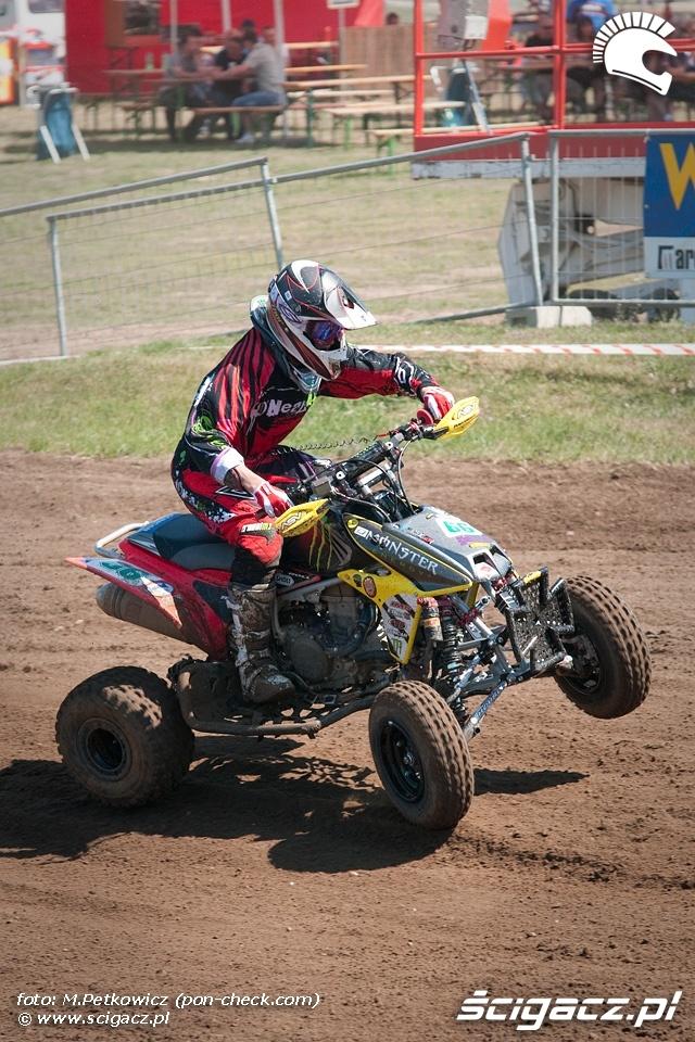 zawodnik quad motocross monster