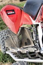 Polaris Outlaw 450 blotnik tyl nerf-bar
