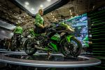 Kawasaki hostessa intermot