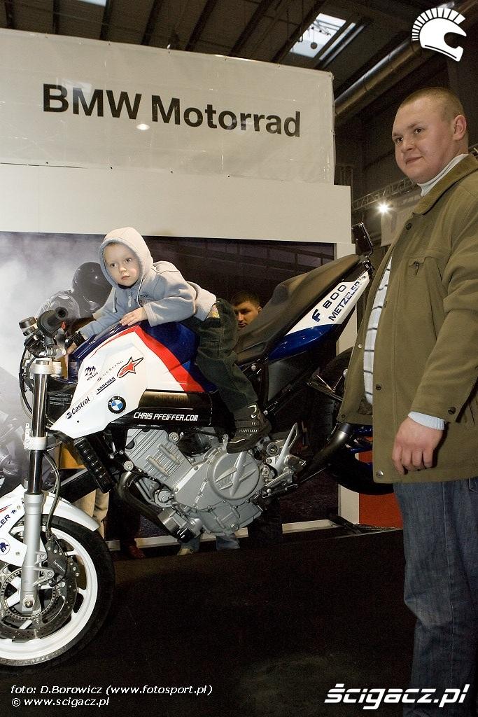 dziecko na bmw wystawa motocykli warszawa 2009 e mg 0344