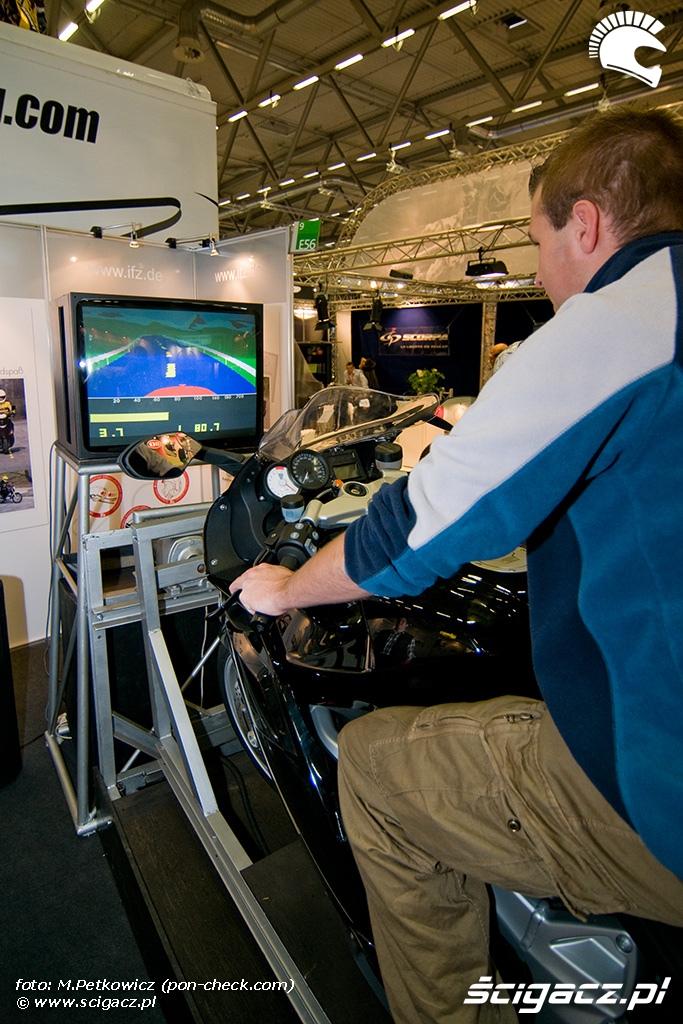symulator jazdy motocyklem