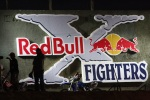 logo red bull x-fighters