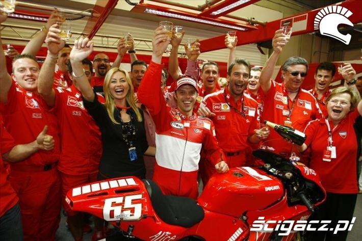 2006 Capirossi feta w Ducati