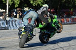 Wheelie race Apex vs Jackson