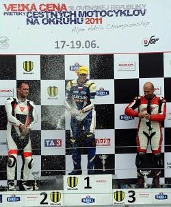 podium volna nad 600 wyscig amatorzy slovakiaring e2 mg 0220