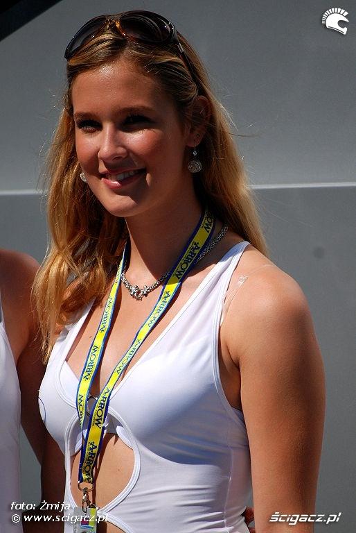 hostessa laska pptuning Brno WSBK 2010