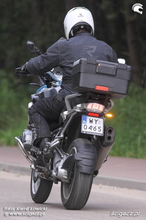 w ruchu BMW R1200GS
