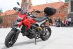 na placu zamkowym Ducati Hyperstrada