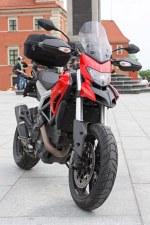 pod kolumna Ducati Hyperstrada