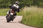 pokonujac zakret Ducati Hyperstrada
