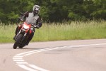 w zakrecie Ducati Hyperstrada