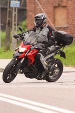 wlaczanie sie do ruchu Ducati Hyperstrada
