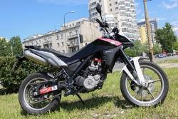 motocykl husqvarna strada 650