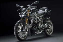 Ducati Streetfighter 03