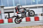Husqvarna 701 Supermoto 2016 wheelie