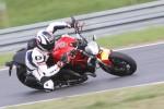 Ducati Monster 821 na torze