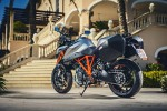 KTM Super Duke 1290 GT z tylu