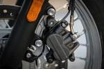 Triumph Bonneville T100 zacisk