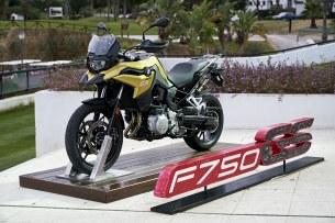 BMW F750GS PODEST