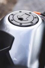 duke 790 wlew paliwa