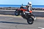 wheeling z morzem w tle