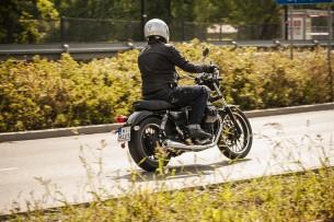Moto Guzzi V9 Roamer 2018 28
