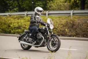 Moto Guzzi V9 Roamer 2018 31