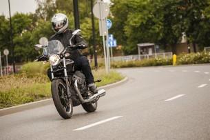 Moto Guzzi V9 Roamer 2018 35