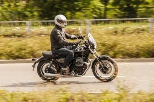 Moto Guzzi V9 Roamer 2018 40