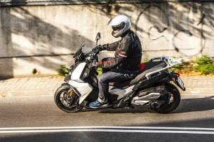 BMW C 400 X test 2019 08