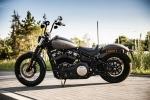 Harley Davidson Street Bob 2018 test parking