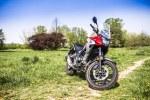 Honda CB500X test motocykla 2019 parking